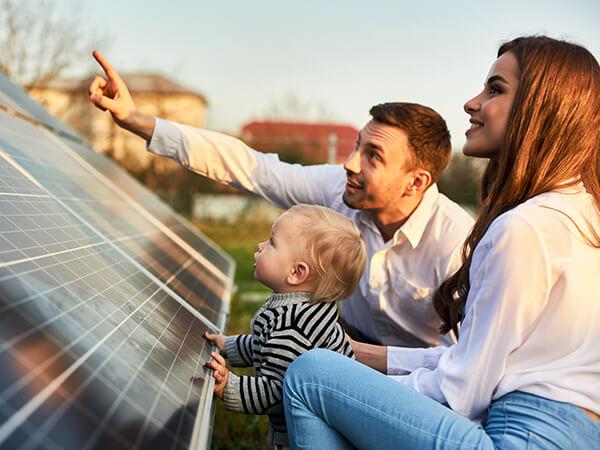 Photovoltaik: jetzt Stromkosten senken © Shutterstock